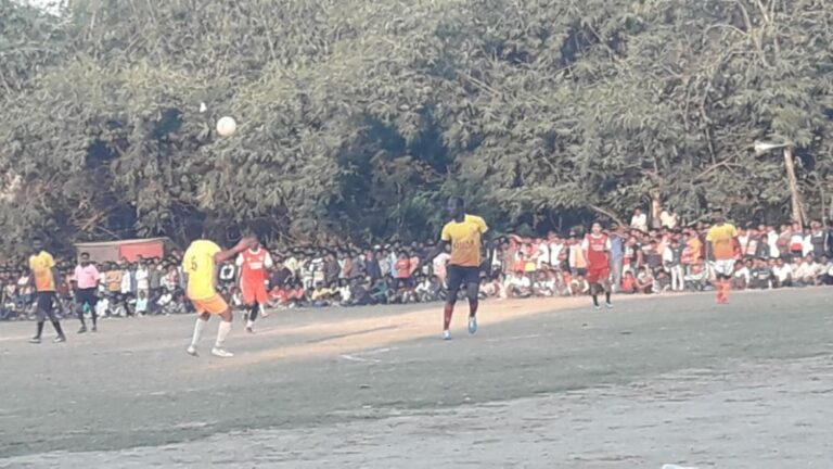 সোনডাঙ্গায় আট দলীয় ফুটবল প্রতিযোগিতায় বিজয়ী নতুনগ্রাম কল্যাণ সংঘ